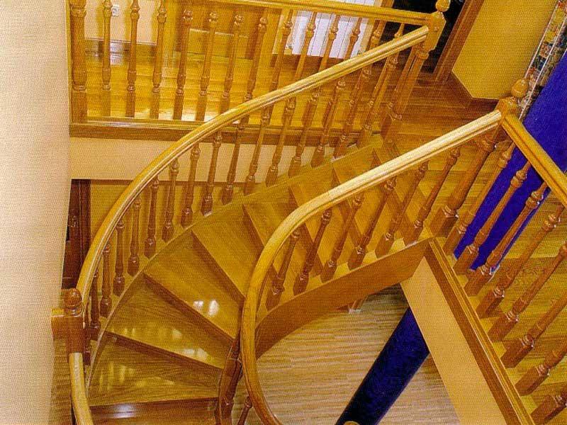 Escalera helicoidal arranque modelo ensaimada newak dos - Modelos de escaleras de madera ...