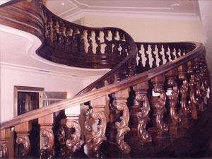 Escalera helicoidal de madera
