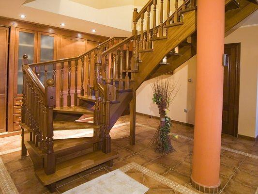 Cuidados para las escaleras de madera