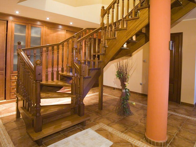 Escalera recta con zanca por debajo newak dos iberica s l - Modelos de escaleras de madera ...