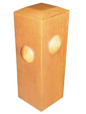 Cabeza de pilastra con forma de pirámide truncada